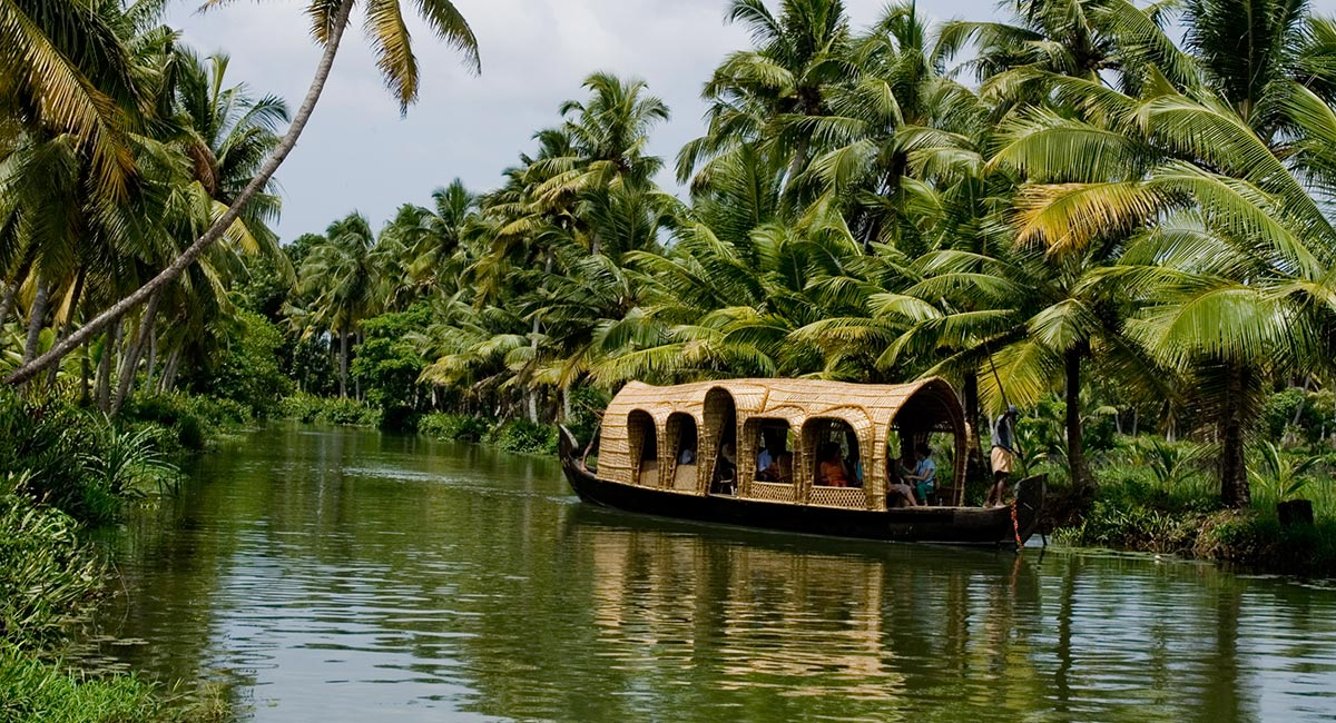 Top tourist attractions of kerala top places to visit in for Best places to visit over christmas in the us
