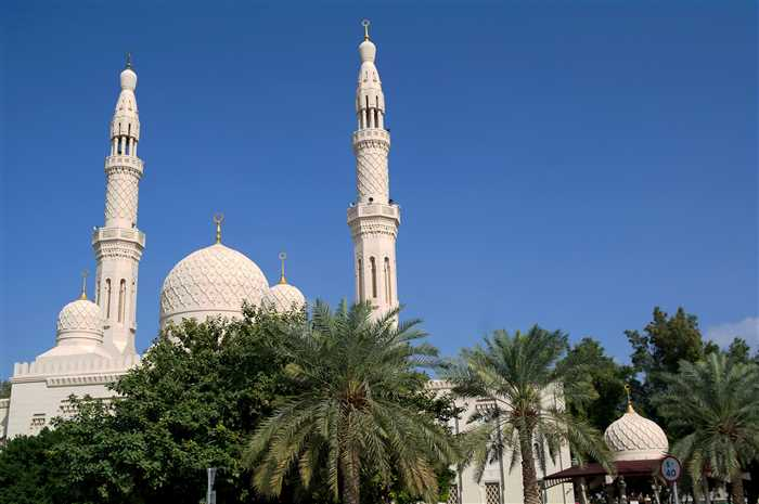 Jumeirah Mosque - Best places or attractions to visit in Dubai