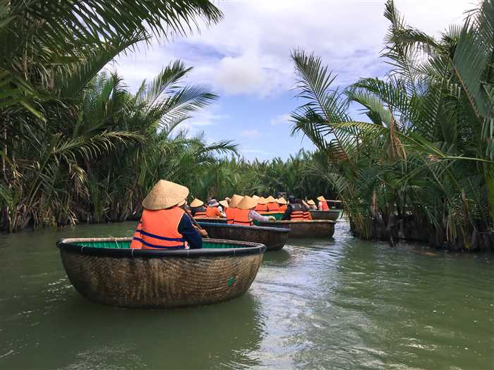 bamboo basket boats in Hoi An,vietnam