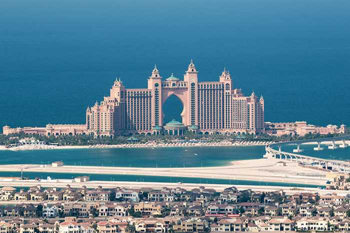 Dubai atlantis holiday tour package from india stay in for The most popular hotel in dubai