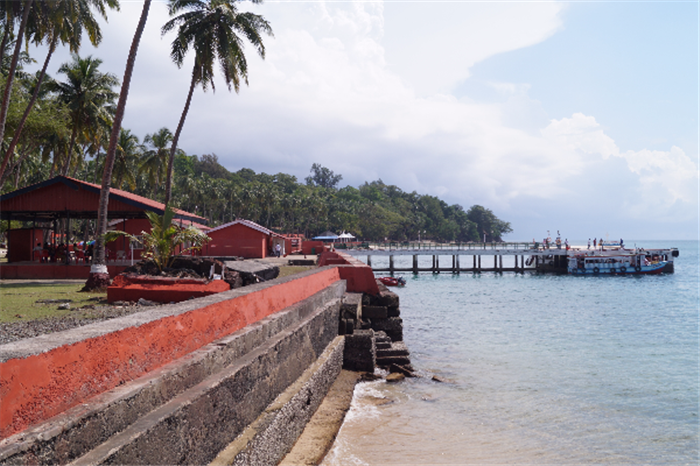 Ross Island Jetty Andaman Holiday Package , Amazing Andaman Holiday - Port Blair & Havelock Island