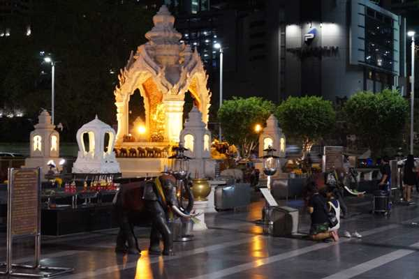 Temple in front of Isetan Shopping mall, Bangkok