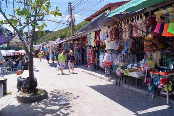 A small market in Coral Island near Pattaya, Thailand